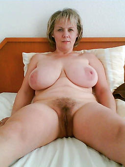 sexy naked females laying down