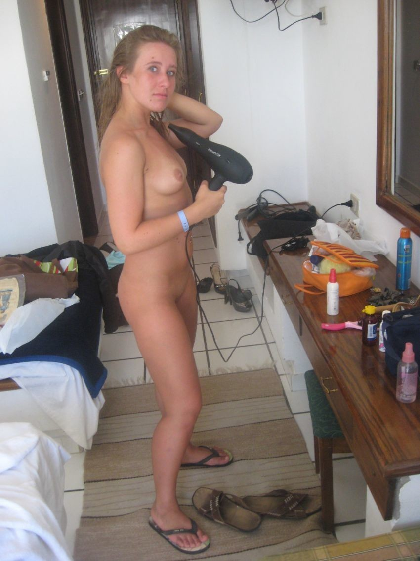 naked girl with flipflops